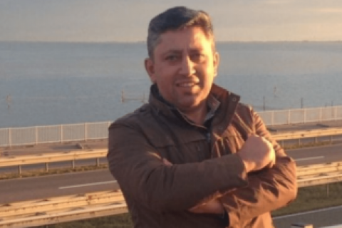 Азербайджанского журналиста Гусейнова отпустили на поруки Княжицкого и Захарова