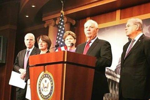 """У Сенат США внесено законопроект про """"всеосяжні"""" санкції проти РФ"""