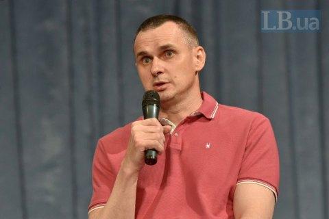 Ради освобождения политузников готов пожать руку Путину, - Сенцов