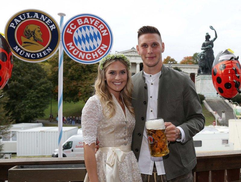 Никлас Зюле с подругой