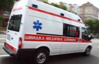 Под Львовом от микроавтобуса отвалились два колеса и травмировали пенсионерку