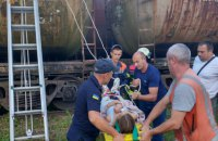 На Львівщині 14-річну дівчину вдарило струмом на залізничній цистерні