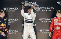 """Эпическая битва лидеров """"Феррари"""" и """"Ред Булл"""" в Сильверстоуне признана моментом года в Формуле-1"""