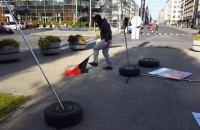 МИД Латвии считает делом чести наказать виновных в разгроме выставки о Майдане