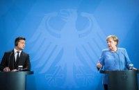Зеленський: не очікую, що Меркель приїде до Києва з подарунками, але це можуть бути гарантії для України