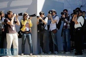 Евро-2012 освещают почти 900 иностранных журналистов