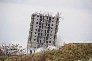 Севастопольська 16-поверхівка витримала другий вибух