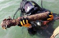 Водолазы ГосЧС подняли три снаряда и 2000 патронов с судна, затонувшего в Черном море во время Второй мировой войны