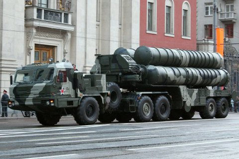 Россия поставит Индии зенитные ракетные системы С-400