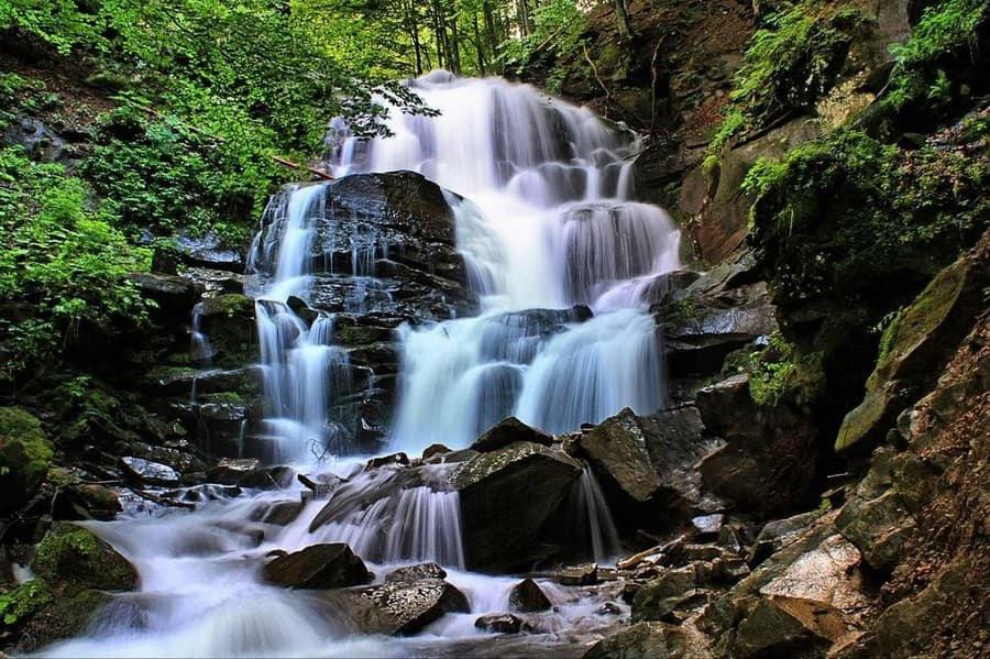 Водоспад Шипіт в ущелині річки Пилипець - один з найпрекрасніших водоспадів нашої країни.