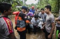 На индонезийский остров Ява обрушилась буря: 19 погибших