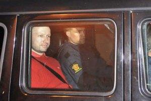 Норвежского террориста посадили на два месяца в одиночку
