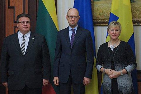 Яценюк обсудил с министрами Литвы и Швеции вопрос ЗСТ с ЕС