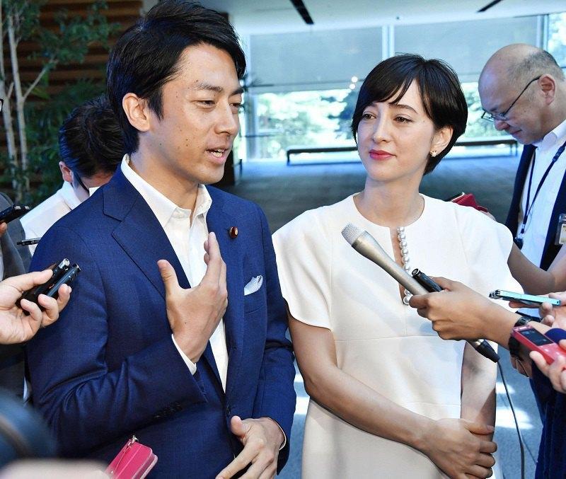 Сіндзіро Коїдзумі з дружиною