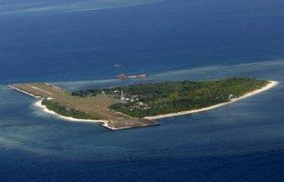 Малайзія заявила про вторгнення 100 китайських суден у свої територіальні води