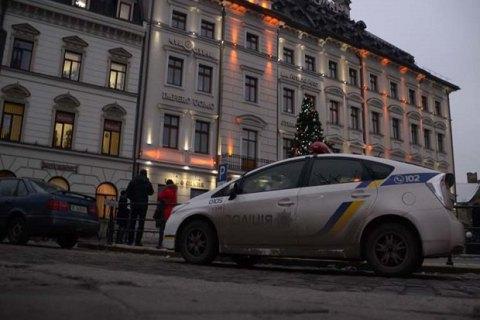 """У львівського торгового центру вимагали 200 біткоїнів за припинення """"мінувань"""""""