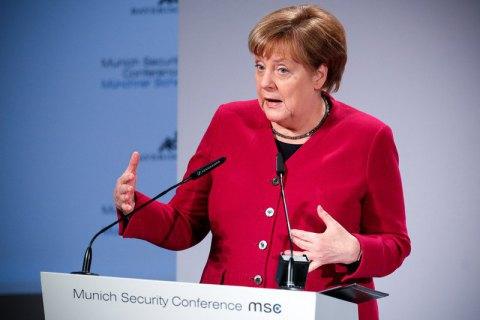 Меркель утретє за місяць мала напад тремору