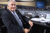 Доминик Стросс-Кан ушел в отставку с поста главы МВФ