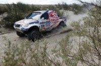 """""""Дакар-2015"""": південноафриканський позашляховик заблукав у дюнах"""