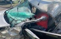 У Дніпрі внаслідок зіткнення легковика і вантажівки загинув чоловік