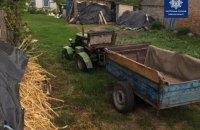 В Киевской области мужчина на самодельным тракторе устроил гонки с патрульными