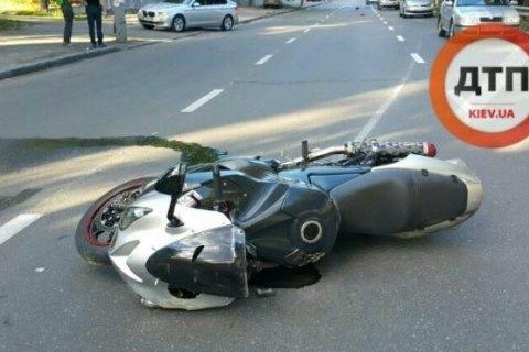 В Киеве в жутком ДТП погибли два человека на мотоцикле