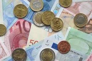 Греки й італійці не хочуть відмовлятися від євро
