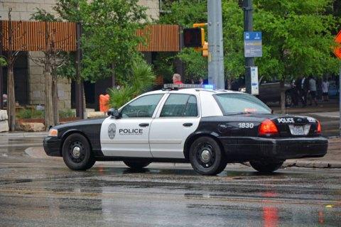 В Техасе неизвестный открыл стрельбу, ранены 13 человек