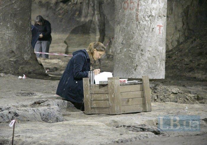 Раскопки под Почтовой площадью