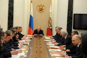 Путин провел совещание с силовиками по ситуации в Украине
