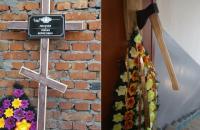 Чугуевский активист получил угрозы в виде надгробного креста и топора в дверях (обновлено)