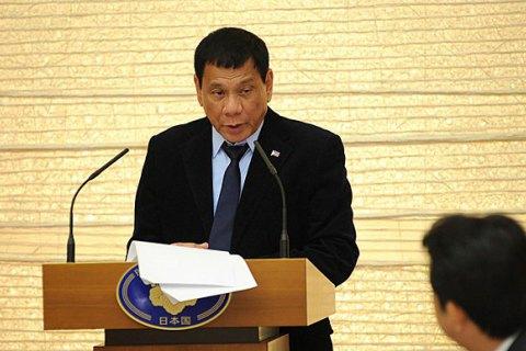 Президент Філіппін дозволив розстрілювати злісних порушників карантину