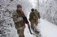 Чотирьох військовослужбовців поранено на Донбасі в понеділок