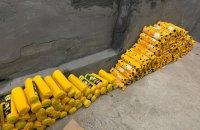 На польской границе в рейсовом автобусе обнаружили две тонны контрабандных продуктов