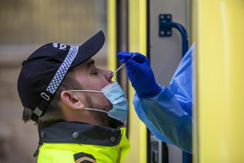 Чехия начала кампанию массового тестирования на коронавирус