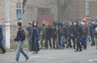 У Маріуполі побили прихильників єдності України, 6 осіб у реанімації