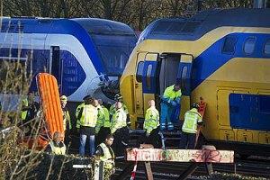 В Амстердаме столкнулись поезда: пострадали 125 человек