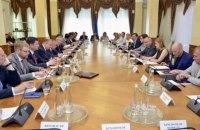 Луценко и Грицак встретились с западными послами для пояснений по делу Бабченко