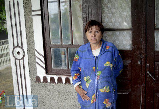 З перших слів згадки про сина Олега, на очі у пані Степанюк накочуються сльози