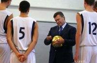 Янукович хочет спорт сделать массовым