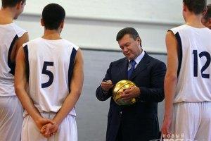 Янукович хоче зробити спорт масовим