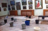 Фото дня. Зал Одесского художественного музея с работами Рериха, Серебряковой и Кандинского