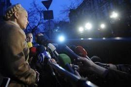"""Тимошенко: """"Янукович везет порожняк в столицу"""""""