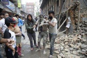 Порошенко наказав евакуювати українців з Непалу на держлітаках