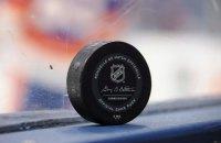 """НХЛ замінила """"розумні шайби"""" на звичайні"""