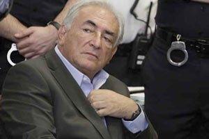 Суд снял обвинения с экс-главы МВФ Стросс-Кана