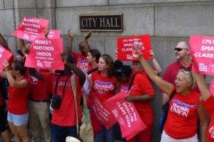 У Чикаго вчителі вперше за 25 років вийшли на страйк