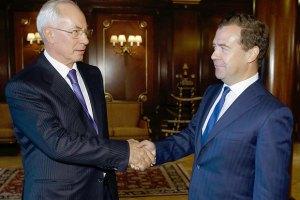 Азаров и Медведев договорились о создании зернового пула