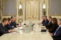 Порошенко призвал ЕС и США усилить давление на Россию из-за вмешательства в украинские выборы