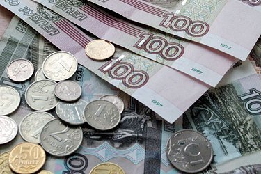 Количество бедных семей в России за год выросло почти вдвое, - опрос